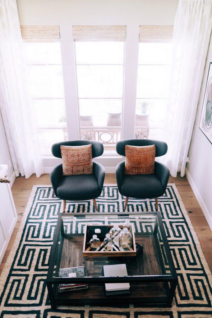 Vloerkleden en tapijten laten reinigen bij Meinen Stomerij en Wasserij. Sinds 1957 specialistische textielreiniging.